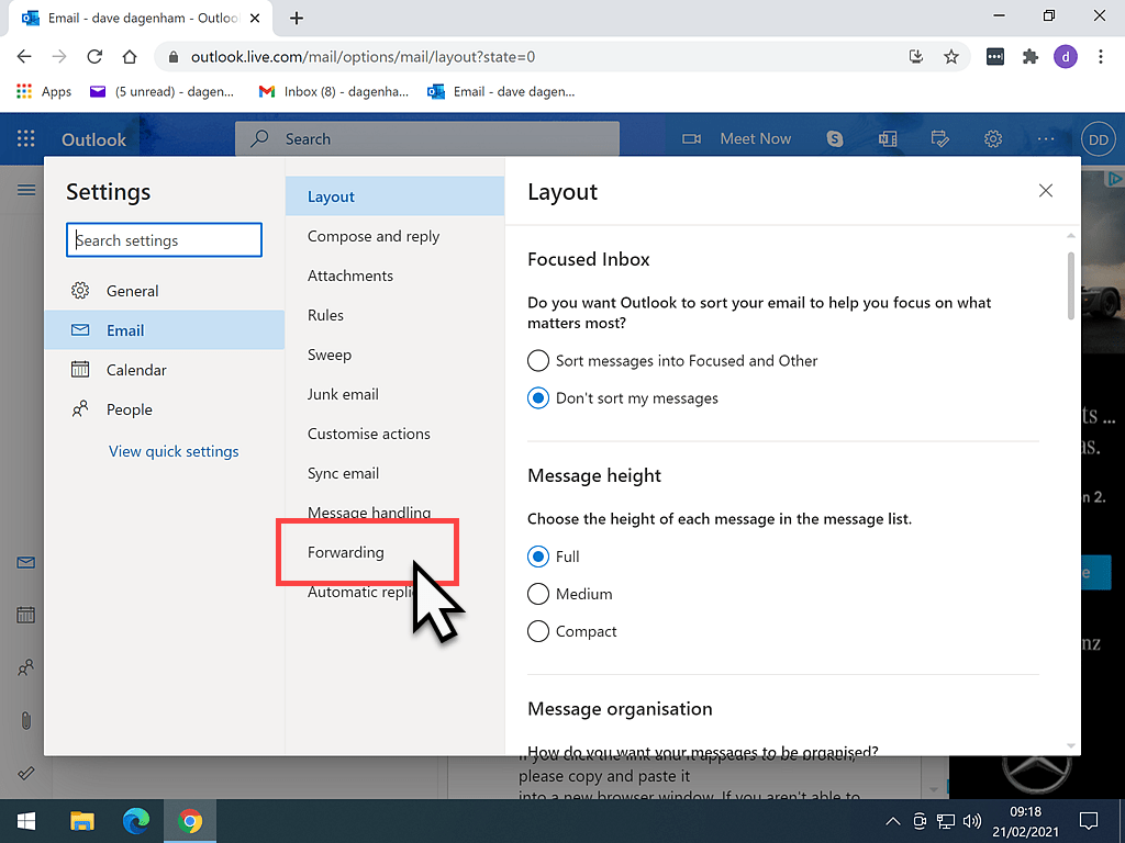 The Forwarding option in the Outlook.com account settings page is indicated by the red box.