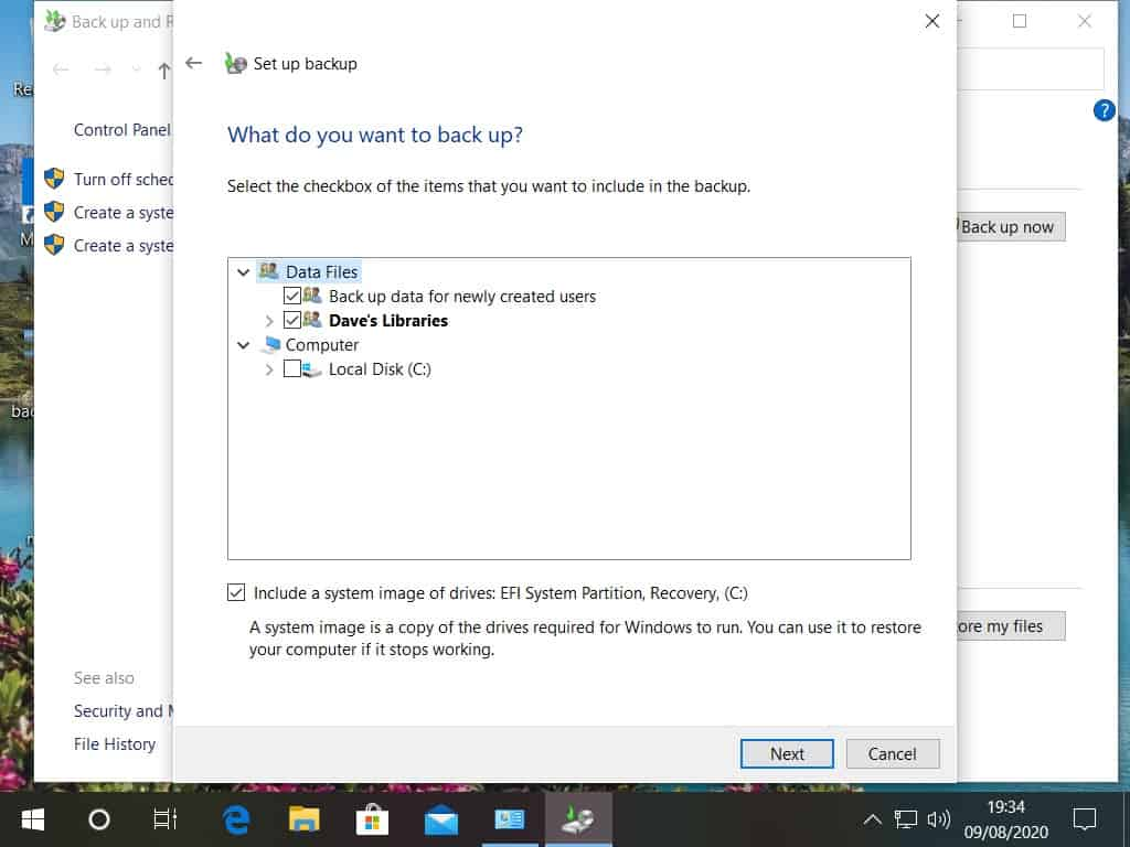 Selecting what to backup in Windows system image.